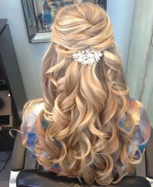 Recent Curly Long Hairstyles For Prom Pertaining To 25+ Unique Curly Prom Hairstyles Ideas On Pinterest | Curly (View 15 of 15)