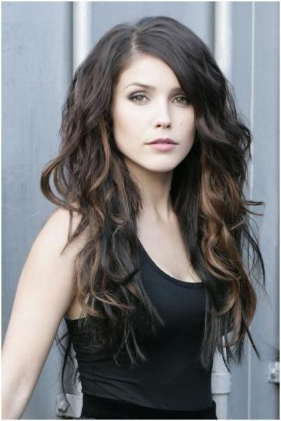 Recent Long Haircuts For Wavy Hair With Trendy, Long Hairstyles For Side Bangs: Wavy Haircuts For Girls (View 15 of 15)