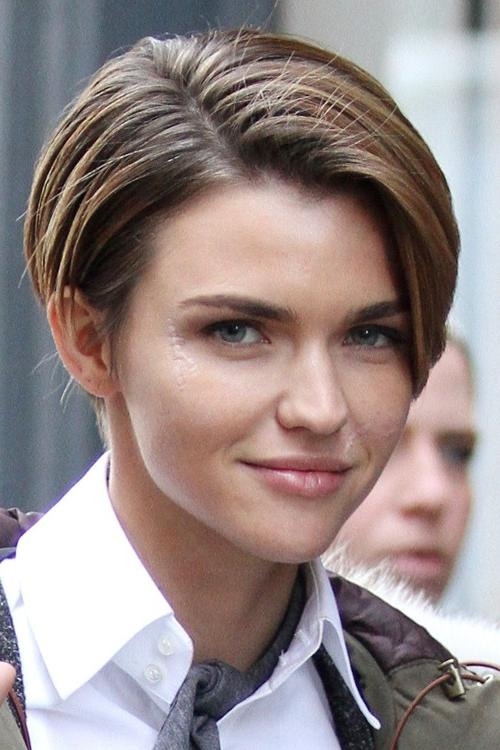Ruby Rose Straight Medium Brown All Over Highlights, Angled Bob With Regard To Ruby Rose Short Hairstyles (View 6 of 20)