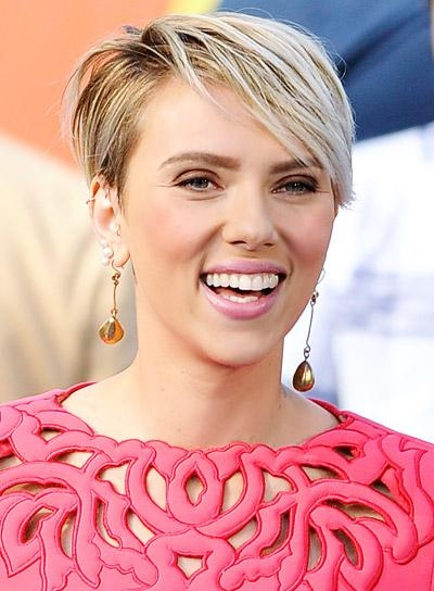 Scarlett Johansson – Beauty Riot For Scarlett Johansson Short Haircuts (View 8 of 20)