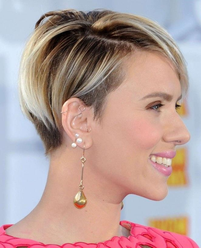 Scarlett Johansson | Haircuts | Pinterest | Scarlett Johansson With Regard To Scarlett Johansson Short Haircuts (View 9 of 20)