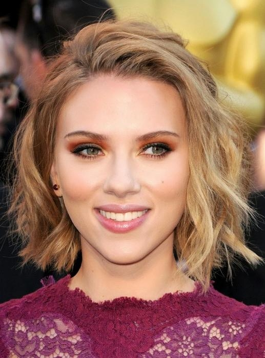 Scarlett Johansson Hairstyles – Celebrity Latest Hairstyles 2016 With Scarlett Johansson Short Haircuts (View 10 of 20)