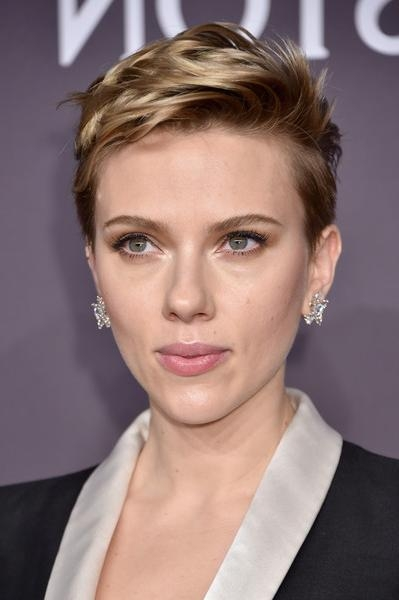 Scarlett Johansson Messy Cut – Short Hairstyles Lookbook – Stylebistro Intended For Scarlett Johansson Short Hairstyles (View 14 of 20)