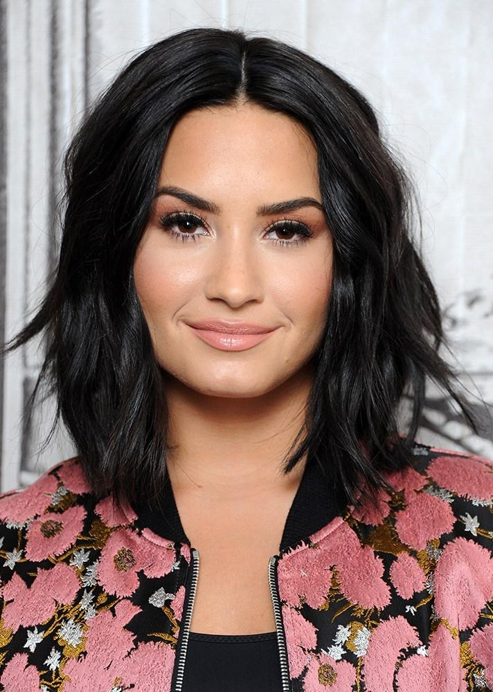 Seven Celebrity Inspired Short Hair Cuts For Different Face Shapes In Demi Lovato Short Hairstyles (View 16 of 20)