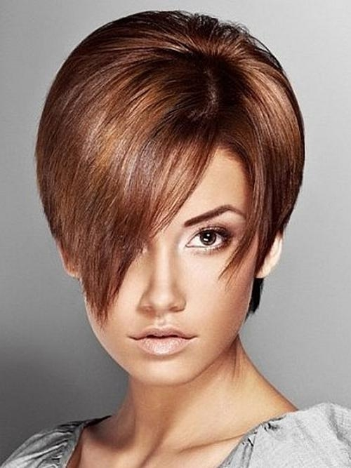 Short Haircut With Side Fringe Spring Summer Short Haircut With With Short Hairstyles For Spring (View 16 of 20)