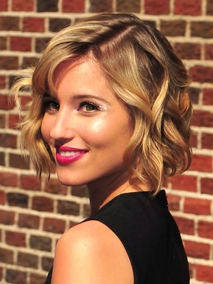 Short Haircuts For Heart Shaped Faces 2017: Short Layered Pixie With Cute Short Haircuts For Heart Shaped Faces (View 17 of 20)