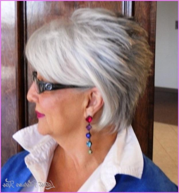 Short Haircuts For Women Over With Glasses – Latestfashiontips ® With Short Haircuts For Glasses Wearer (View 14 of 20)