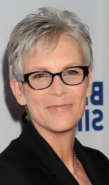 Short Haircuts For Women Who Wear Glasses – Hairs Picture Gallery Within Short Haircuts For Women Who Wear Glasses (View 6 of 20)