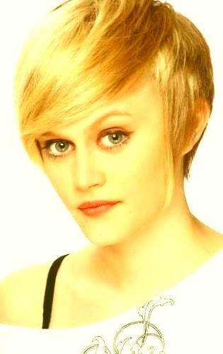 Short Haircuts For Women With Big Ears Big Ears Short Hairstyles 2 In Short Haircuts For Women With Big Ears (View 15 of 20)