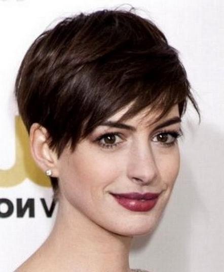 Short Hairstyles And Cuts | Short Haircuts For Fine Hair And Long In Short Haircuts On Long Faces (View 14 of 20)