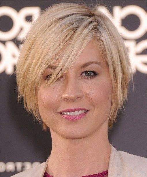 Short Hairstyles And Cuts | Short Hairstyles For Thin Hair And For Short Hairstyles For Thin Hair And Round Faces (View 13 of 20)