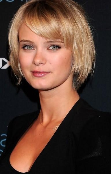 Short Hairstyles: Examples Ideas Short Hairstyles With Bangs For Pertaining To Short Haircuts With Bangs For Fine Hair (View 16 of 20)