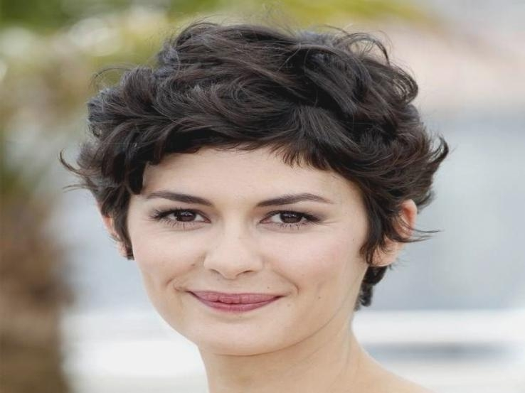 Short Hairstyles For Round Faces Curly Hair Short Haircuts For In Short Haircuts Curly Hair Round Face (View 19 of 20)