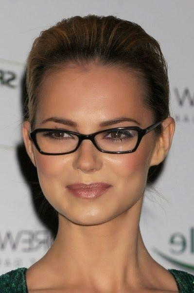 Short Hairstyles For Square Faces With Glasses For Women | Makeup Pertaining To Short Haircuts For Glasses Wearer (View 10 of 20)