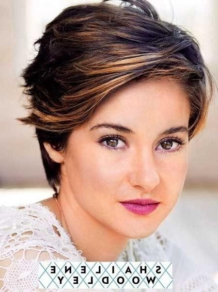 Short Hairstyles For Thick Hair Pictures – Hairstyle Foк Women & Man For Great Short Haircuts For Thick Hair (View 18 of 20)
