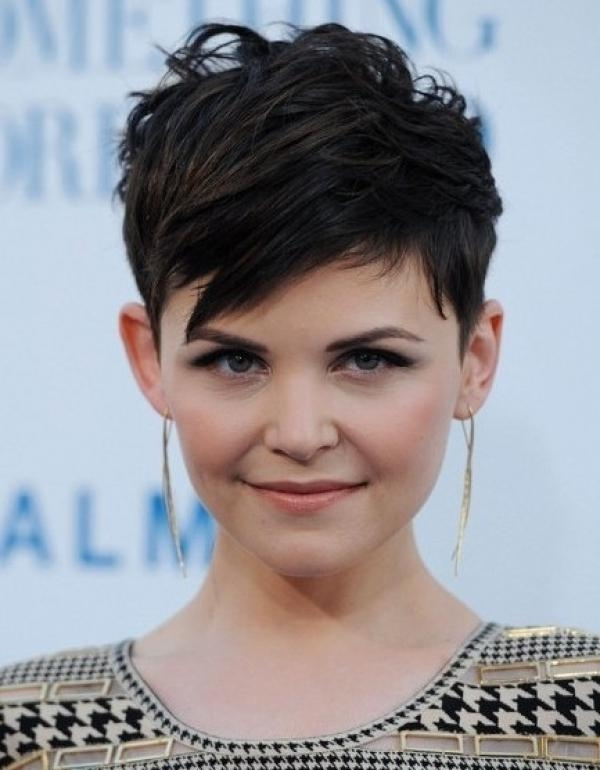 Short Hairstyles For Women With Big Foreheads For Men And Women With Short Haircuts For Big Foreheads (View 15 of 20)