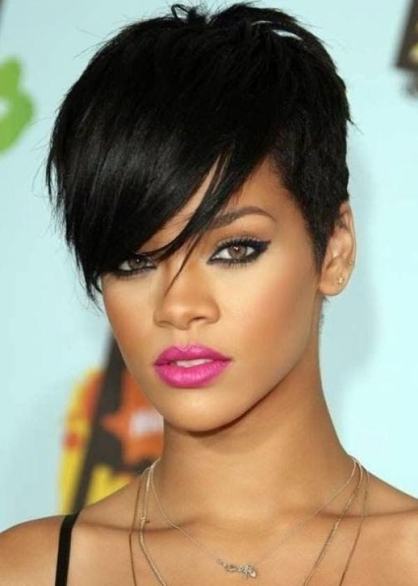 20 Ideas of Short Haircuts For Large Foreheads