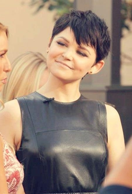 Short Hairstyles For Women With Round Faces: Ginnifer Goodwin For Womens Short Haircuts For Round Faces (View 19 of 20)