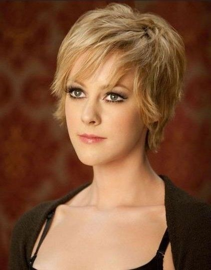 Short Hairstyles: New Ideas Short Hairstyles For Fine Hair Oval For Short Hairstyles For Fine Hair Oval Face (View 17 of 20)