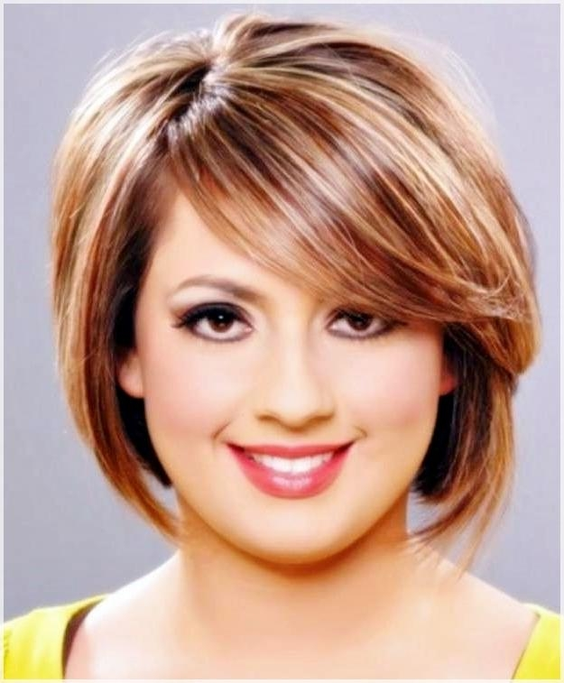 Short Hairstyles With Bangs For All Types Of Faces – Hairstyles For Short Hairstyles For Small Faces (View 18 of 20)