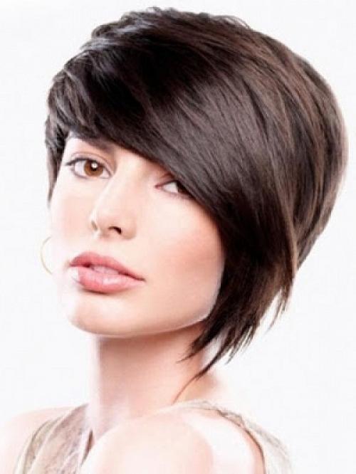 Simple Short Hairstyles With Side Swept Bangs For Women Pictures With Side Swept Short Hairstyles (View 15 of 20)