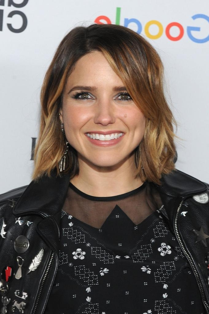 Sophia Bush Short Wavy Cut – Hair Lookbook – Stylebistro With Regard To Sophia Bush Short Hairstyles (View 6 of 20)