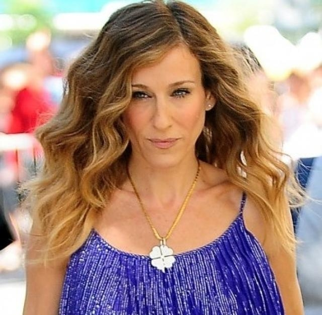 Stylish As Well As Stunning Carrie Bradshaw Short Hairstyles For Pertaining To Carrie Bradshaw Short Haircuts (View 8 of 20)