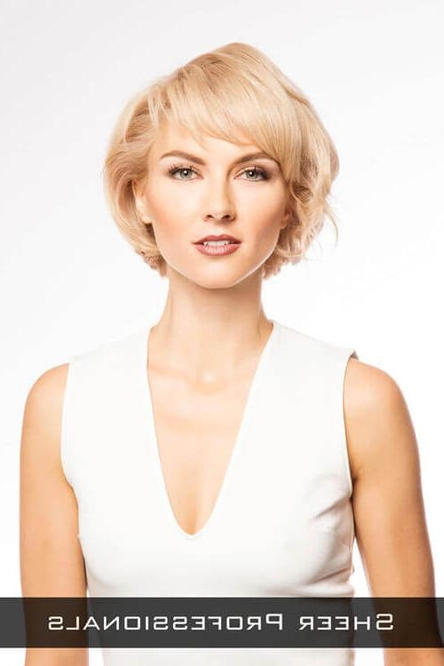 The 24 Ultimate Short Hairstyles For Long Faces Intended For Long Face Short Haircuts (View 16 of 20)
