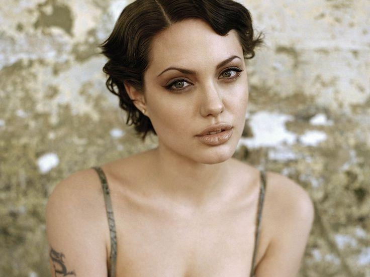 This Is Such A Fantastic Picture Of Angelina Jolie Natural Inside Angelina Jolie Short Hairstyles (View 20 of 20)