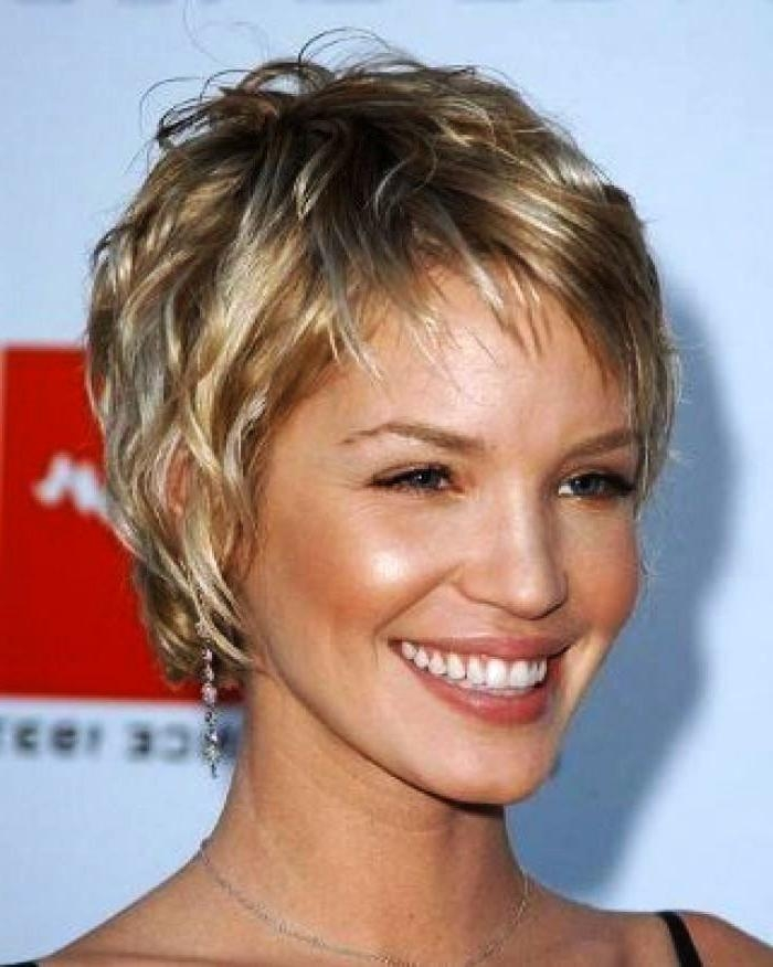 To Medium Hairstyles For Thick Wavy Hair With Short Haircuts For Fine Hair Oval Face (View 7 of 20)