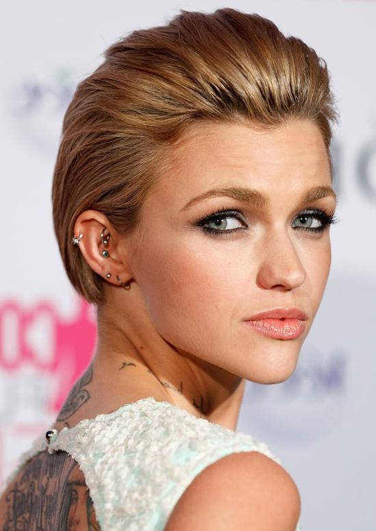 Top 50 Hairstyles For Professional Women Pertaining To Short Hairstyles Swept Off The Face (View 6 of 20)