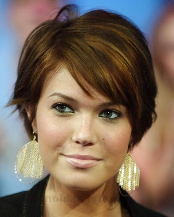 Trendy Short Hairstyles For Round Faces – Lustyfashion Regarding Trendy Short Haircuts For Round Faces (View 19 of 20)