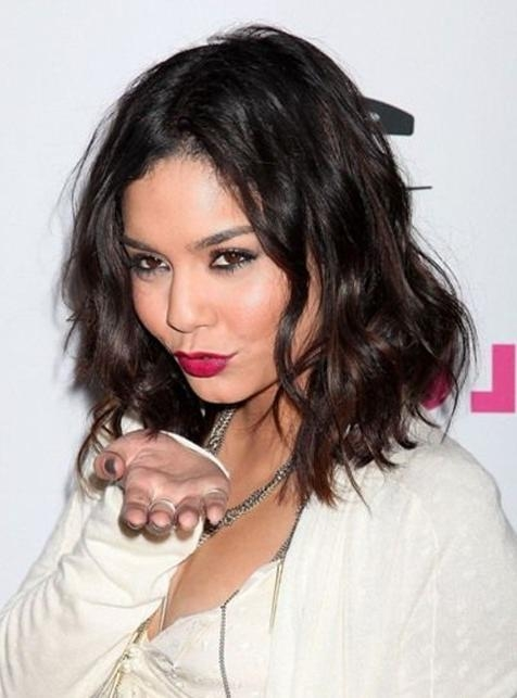 Vanessa Hudgens Medium Hairstyles: Layered Wavy Haircut – Popular Inside Vanessa Hudgens Short Hairstyles (View 7 of 20)