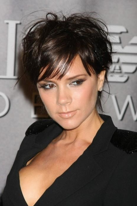 Victoria Beckham Hairstyle: Stylish Short Haircut – Dark & Glossy With Regard To Victoria Beckham Short Hairstyles (Gallery 4 of 20)