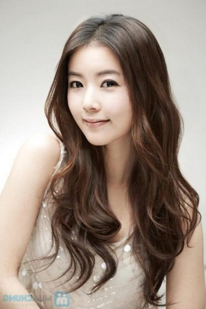 Featured Photo of Popular Korean Hairstyles