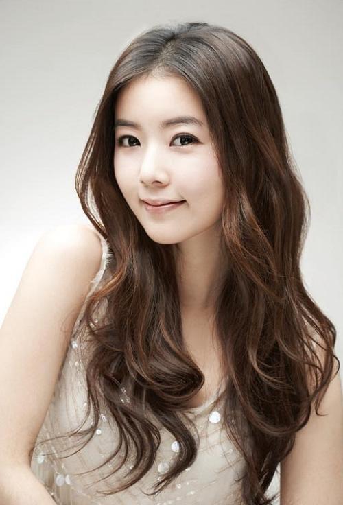 25 Gorgeous Asian Hairstyles For Girls Regarding Asian Hairstyles For Long Hair (View 6 of 20)