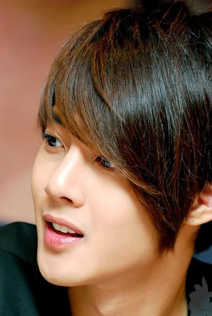 Asian Men Short Hair Style — Marifarthing Blog : Asian Men Within New Korean Hairstyles (View 11 of 20)