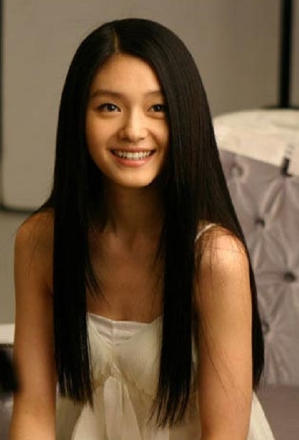 Asian Woman Healthy Long Hairstyle Straight With Long Side Bangs Regarding Long Straight Asian Hairstyles (View 9 of 20)