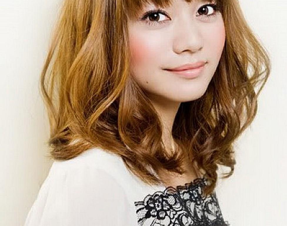 Cute Asian Shoulder Length Bob Hairstyles Bangs For Wavy Hair Intended For Wavy Asian Hairstyles (View 14 of 20)