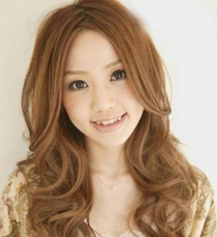 Featured Photo of Curly Asian Hairstyles