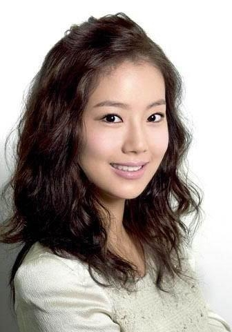 Korean Curl Hairstyles Pertaining To Curly Asian Hairstyles (Gallery 4 of 20)