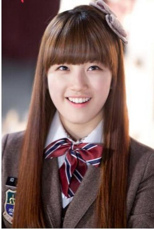 Korean Hairstyles For School Girls With Medium Straight Hair Within Cute Korean Hairstyles For Medium Hair (View 16 of 20)