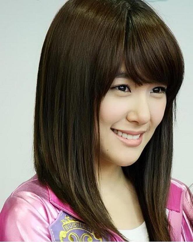 Medium Korean Hairstyle With Regard To Medium Korean Haircuts (View 16 of 20)