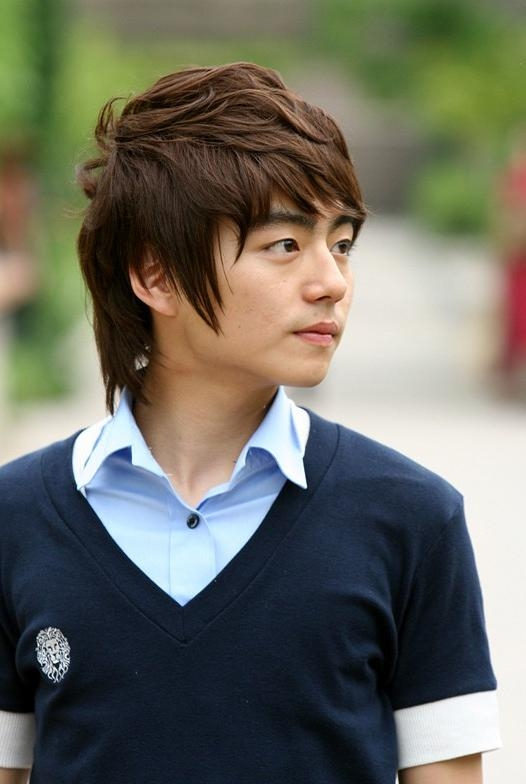 Modern Korean Guys Hairstyles – Asian Hairstyles – Korean Hairstyle Pertaining To Modern Asian Hairstyles (View 19 of 20)