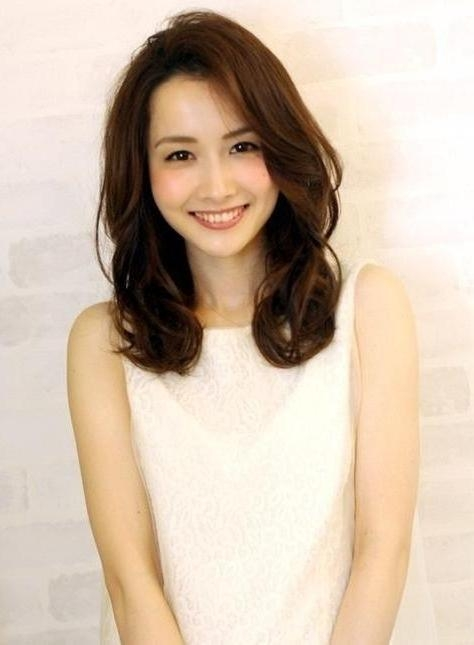 Photo Gallery Of Beautiful Asian Hairstyles For Women (viewing 7 Within Medium Asian Hairstyles (View 5 of 20)