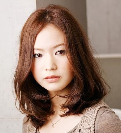 Wavy Hairstyles Medium Length Asian Photosgratisylegal Throughout Medium Asian Hairstyles (View 20 of 20)