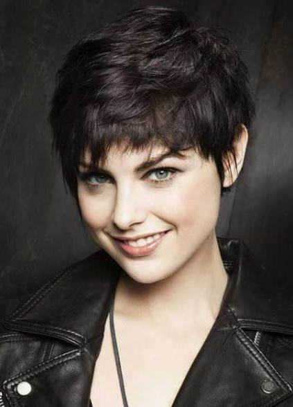20 Pixie Haircuts For Thick Hair For Current Pixie Haircuts For Women With Thick Hair (View 2 of 20)