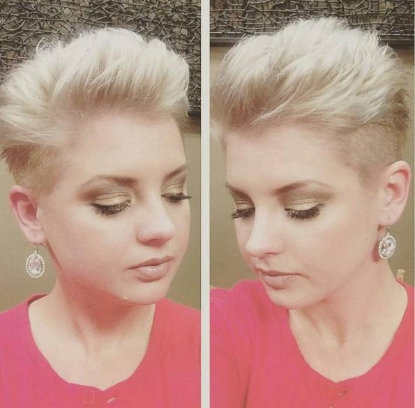2017 Round Face Pixie Haircuts Inside 16 Cute, Easy Short Haircut Ideas For Round Faces – Popular Haircuts (View 2 of 20)