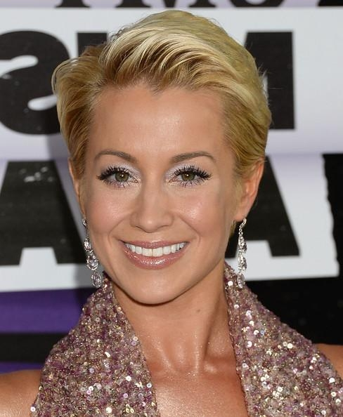 2018 Kellie Pickler Pixie Haircuts For Kellie Pickler Short Straight Cut – Short Hairstyles Lookbook (View 1 of 20)