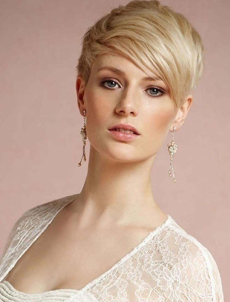 2018 Pixie Haircuts For Women Over 40 Throughout Pixie Haircuts For Women Over 40 – Pixie Hair Ideas & Tutorials (View 3 of 20)